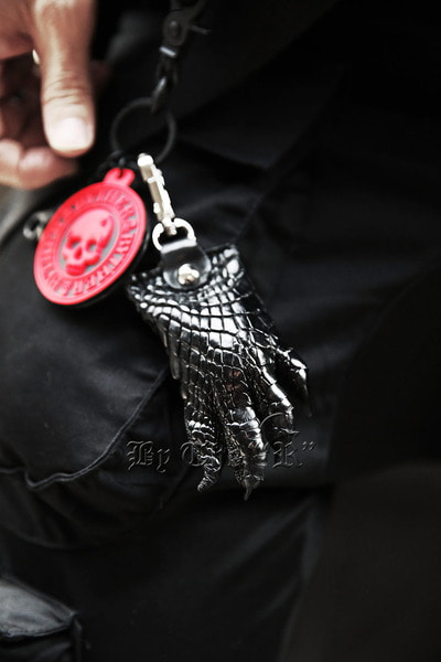 ByTheRByTheR Foot Detail Leather Keyring