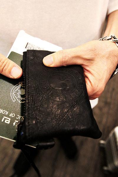 ByTheRByTheR 骷髏標誌皮拉鏈短款錢包