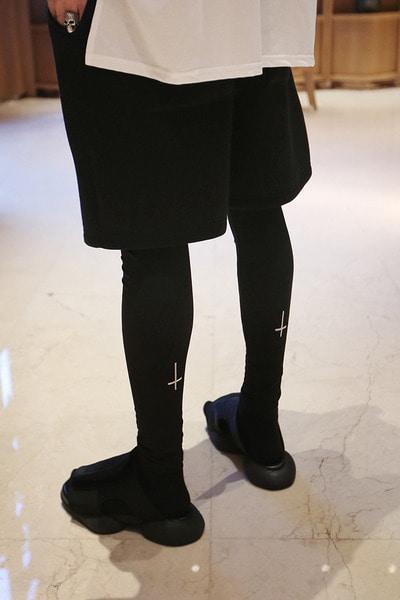 ByTheRByTheR X ProjectR十字架刺绣打底裤
