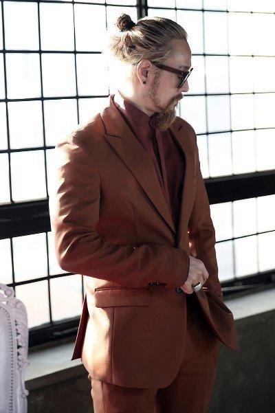 ByTheR棕色經典款雙釦西裝