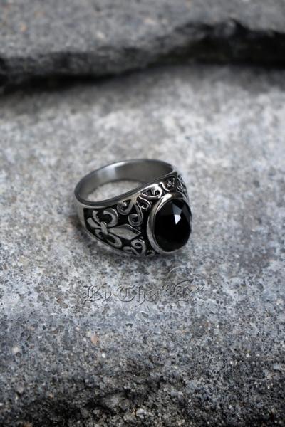 ByTheRBlack Circle Stone Engraving Ring