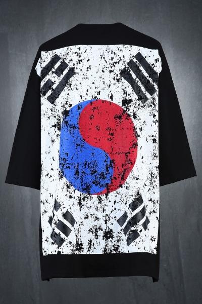 ByTheRByTheR Korea Taegeukgi Flag Loose Fit Short Sleeve Tee Black