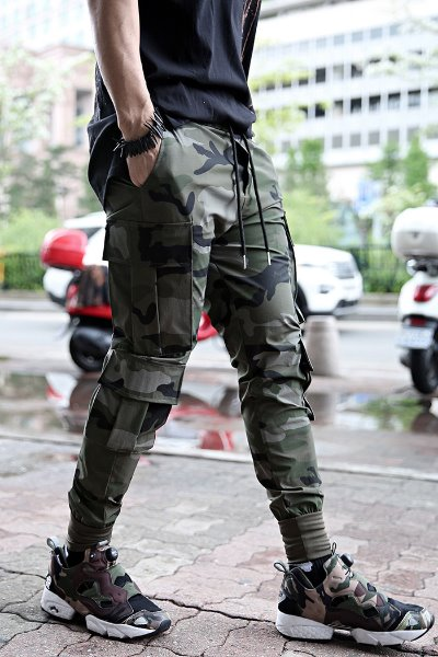ByTheR4-pocket cooling jogger pants with Military printing