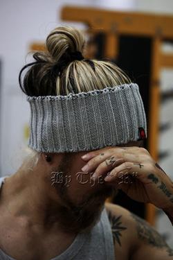 ByTheRByTheR針織寬髮帶