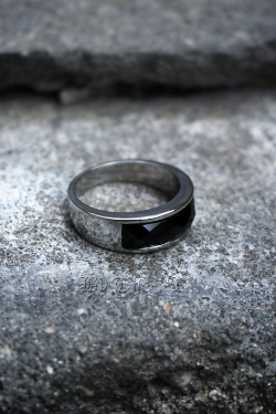 ByTheRBlack Square Gemstone Round Ring