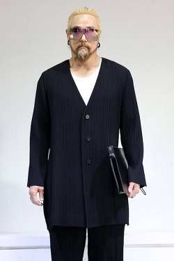 ByTheRBold pleated long collarless jacket