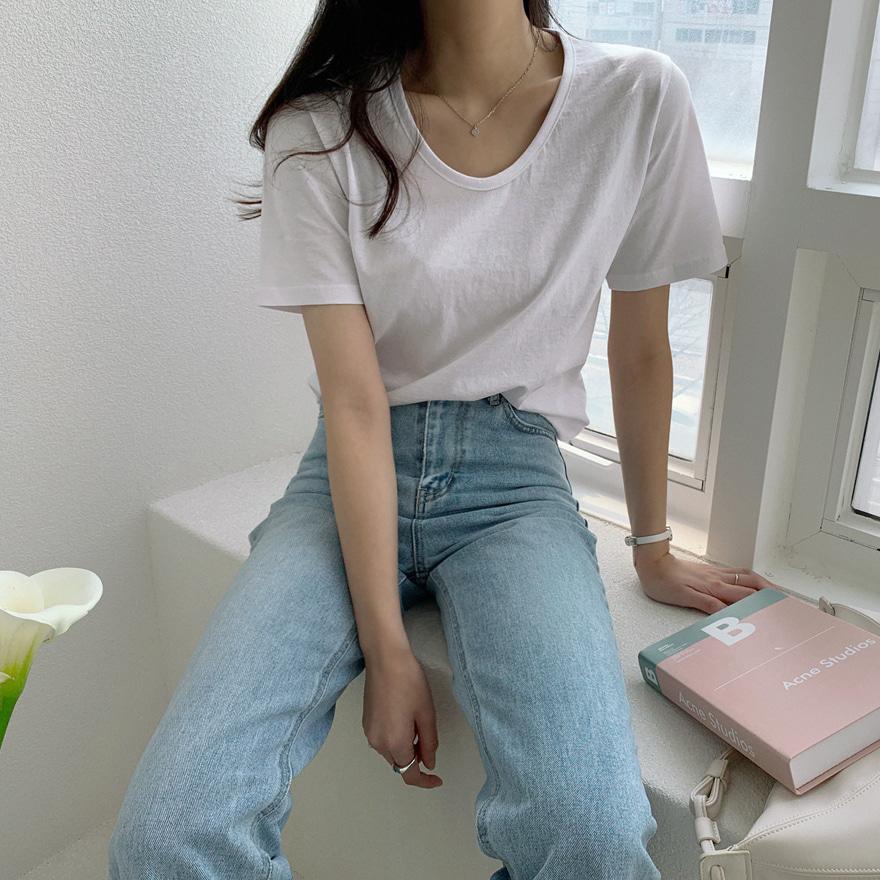 Short Sleeve U-Neck T-Shirt