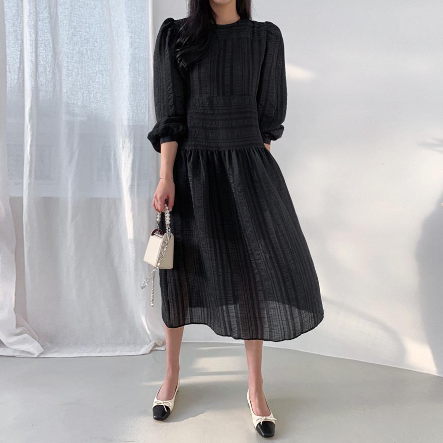 Puff Shoulder Crinkled Dress