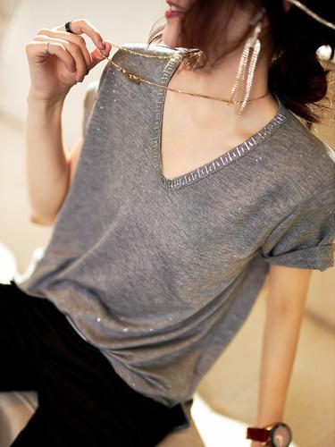 브이넥 비즈 펄 티셔츠