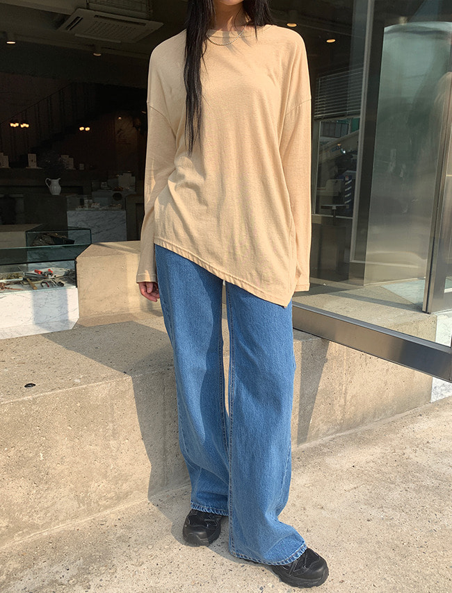 Bootcut Mid Rise Jeans