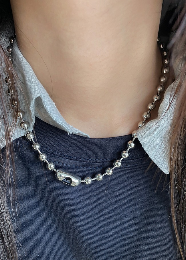 Metallic Round Ball Necklace