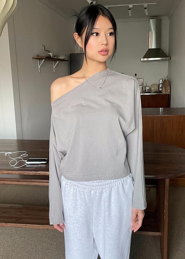 Unbalanced Sleeves One-Shoulder T-Shirt
