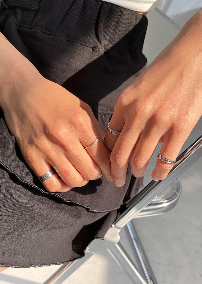 Silver Tone Slim Ring Set