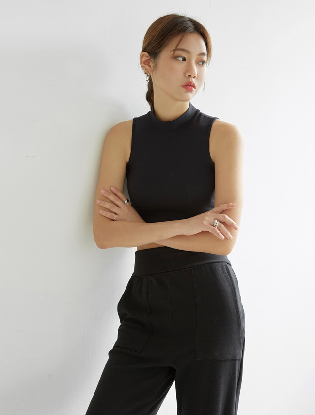 Black High Neck Sleeveless Cropped Top