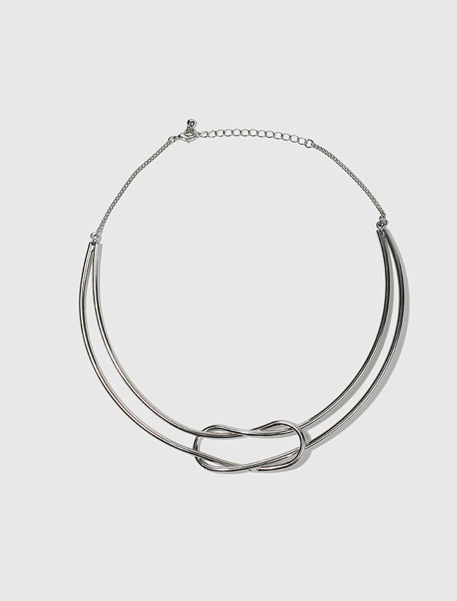 Metallic Loop Necklace