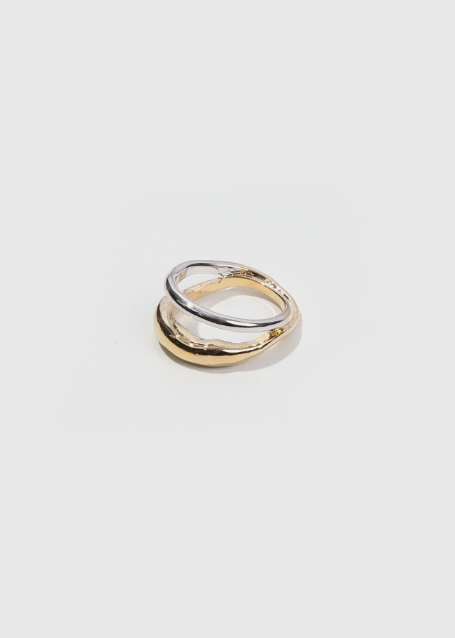 Two-Tone Looped Ring