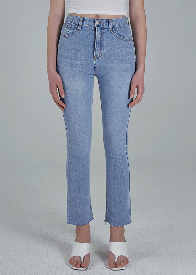 Cropped Semi-Bootcut Jeans