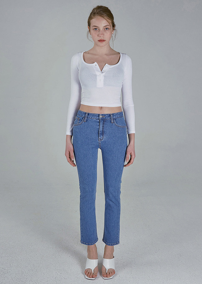 Straight Leg Slim Blue Jeans