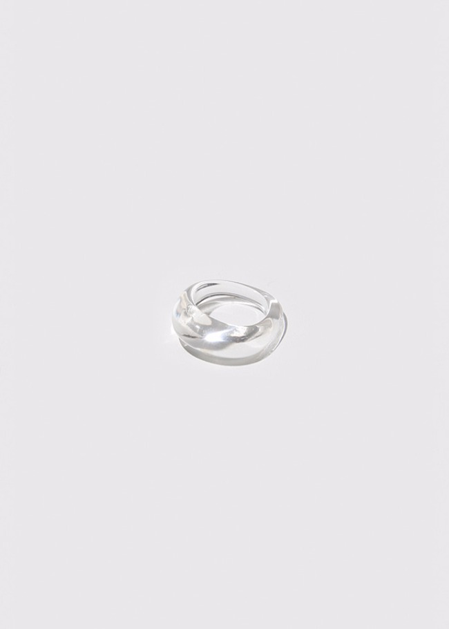 Clear Twisted Acrylic Ring