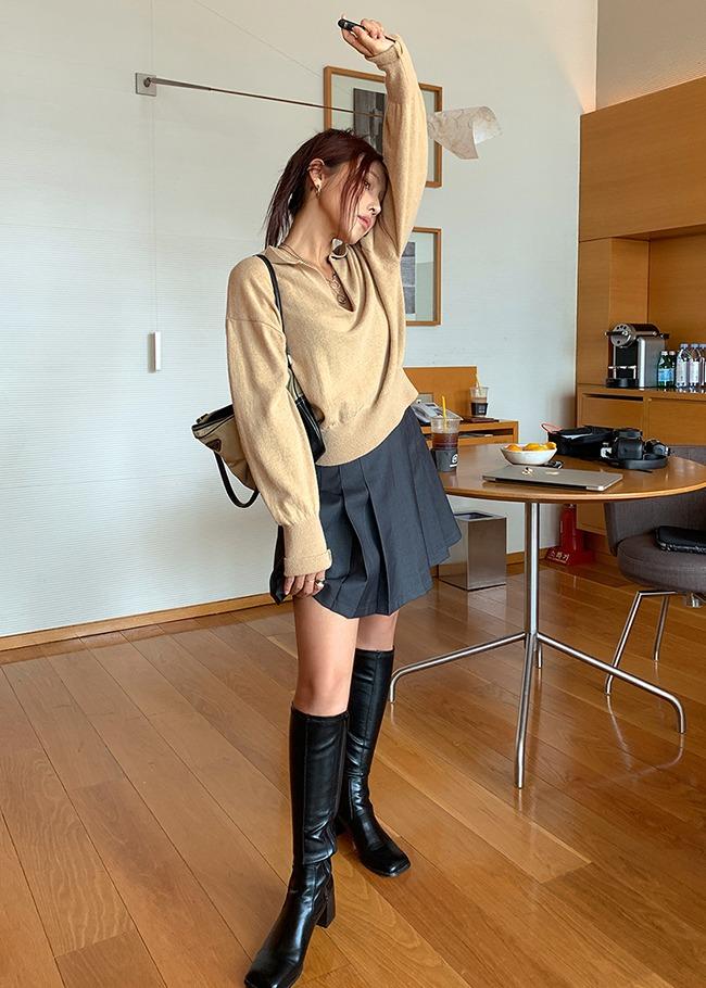 Single Tone Pleated Mini Skirt