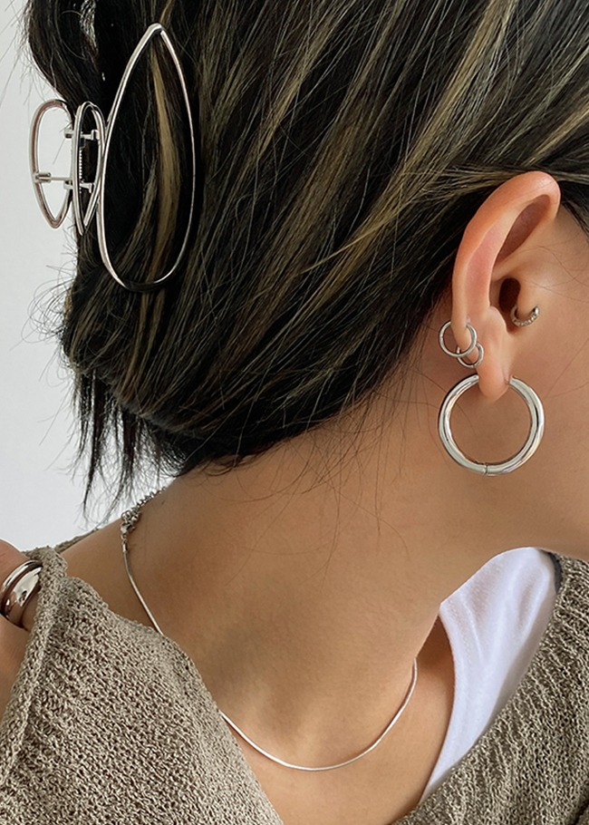 Hinge Metallic Hoop Earrings