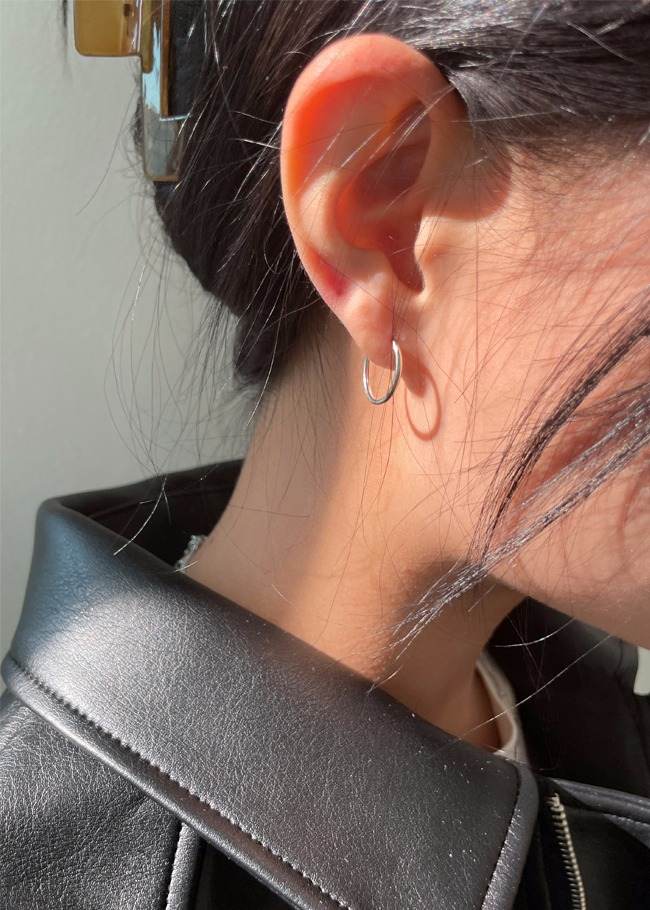 Daily Hoop 92.5 Silver Earrings