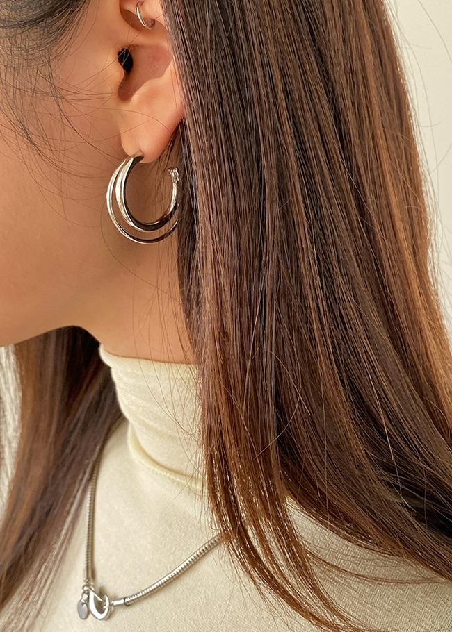 粗細混搭層次C字金屬耳環