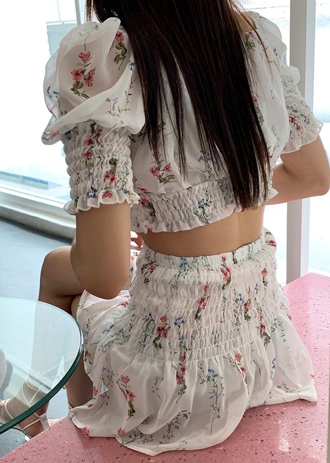 DARKVICTORY[套裝]綁帶裝飾印花短版上衣+鬆緊皺褶腰印花短裙