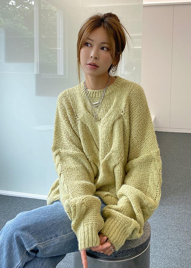 DARKVICTORY麻花紋點綴寬鬆針織上衣