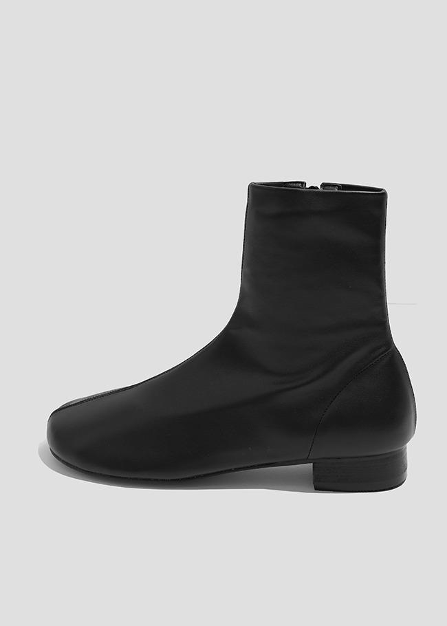 DARKVICTORY車縫線側拉鍊低跟皮革短靴