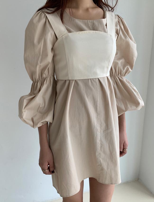 DARKVICTORY鬆緊拼接大澎袖純色洋裝