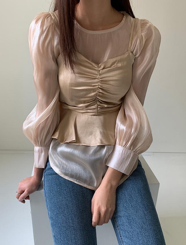 DARKVICTORY[套裝]泡泡袖上衣+抓皺感細肩帶背心