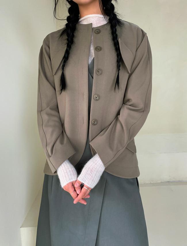 DARKVICTORY斜翻蓋口袋排釦綁帶外套(軍綠色)
