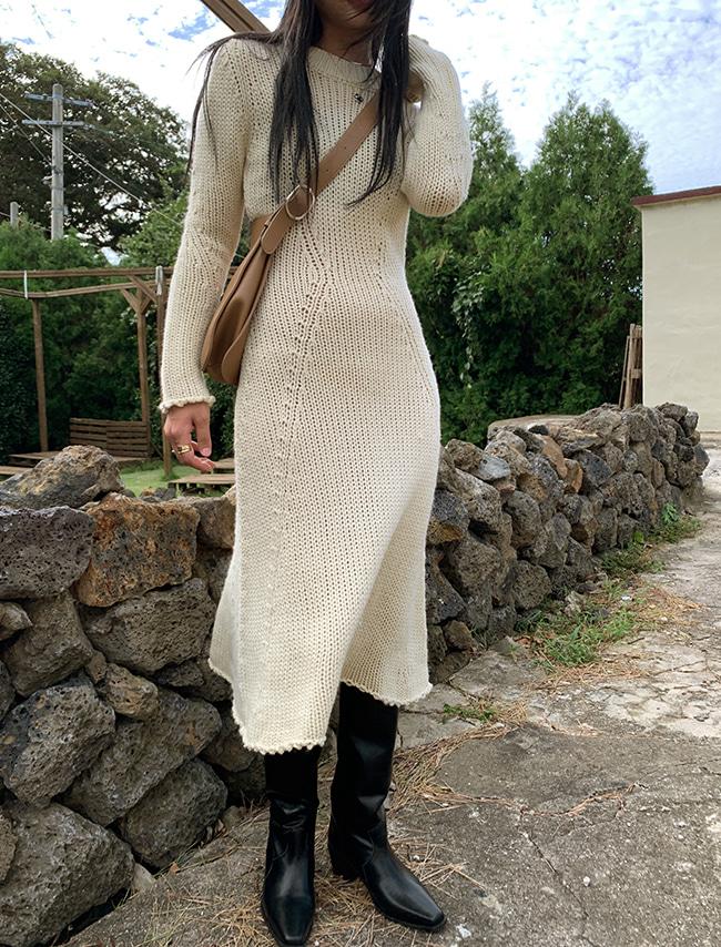 DARKVICTORY極簡純色修身傘襬針織洋裝