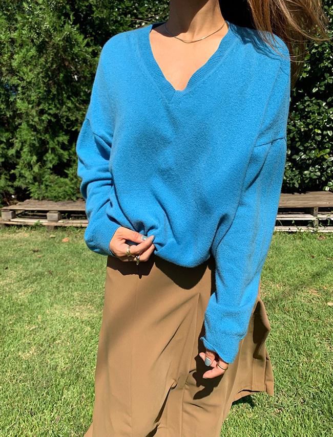 DARKVICTORY羊毛混紡V領微短版針織上衣