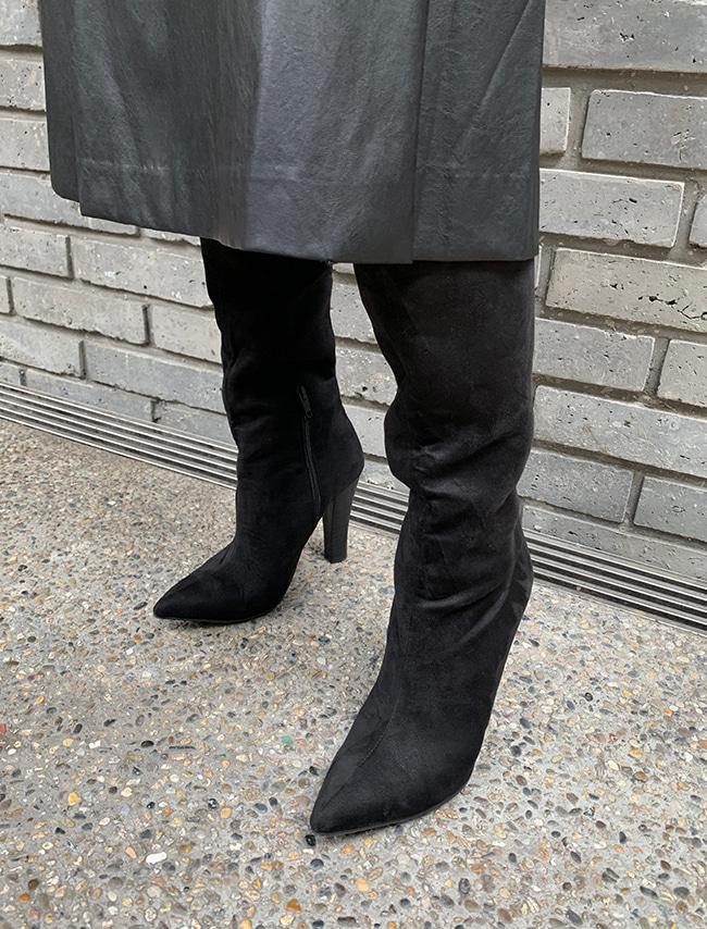 DARKVICTORY純色仿麂皮尖頭細高跟長靴
