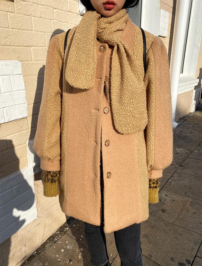 DARKVICTORY拼接絨布混羊毛中長版大衣(附圍巾)
