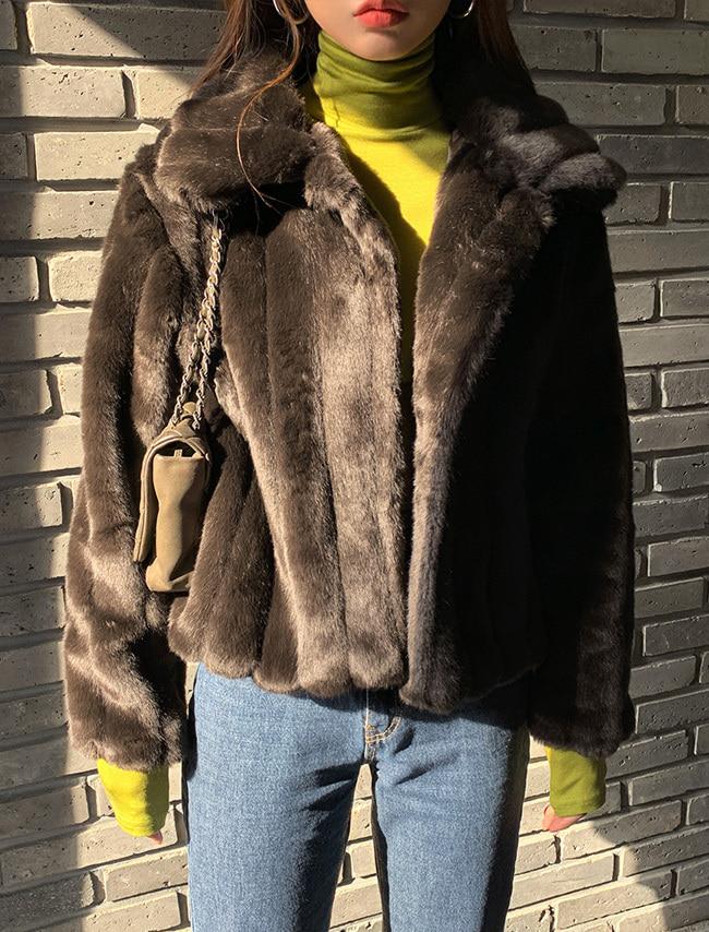 DARKVICTORY直線車縫翻領仿皮草外套