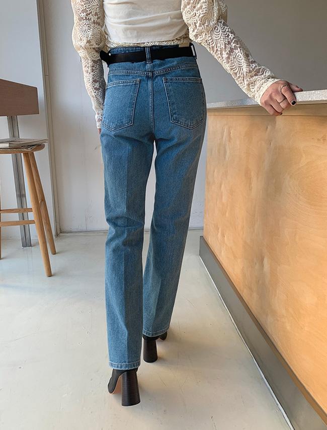 DARKVICTORY簡約休閒微喇叭牛仔褲