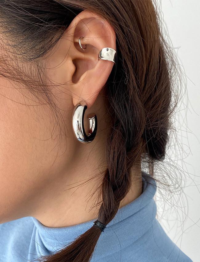 DARKVICTORY亮澤凹面銀質耳骨夾