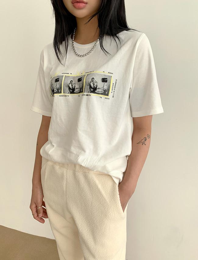 DARKVICTORY黑白復古風印花短袖T恤