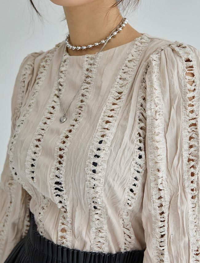DARKVICTORY鏤空蕾絲直線縮口袖上衣