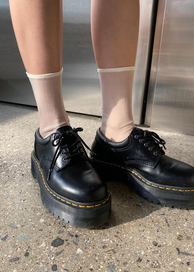 DARKVICTORY魅力透膚感純色中長襪