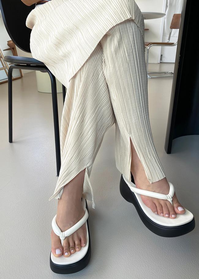 DARKVICTORY時尚仿皮厚底夾腳拖鞋