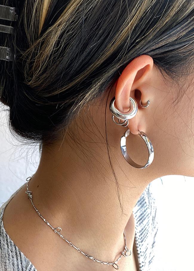 DARKVICTORY扁圓圈後釦飾金屬耳環
