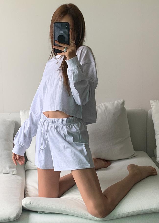DARKVICTORY[套裝]日常運動風短版上衣+抽繩腰短褲
