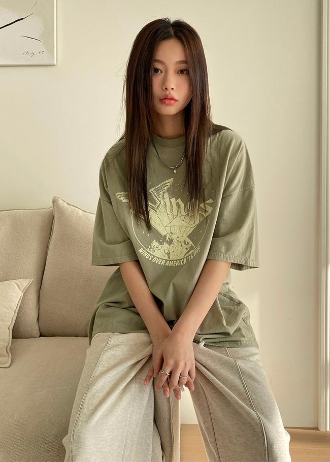 DARKVICTORYWINGS圖案燙印寬鬆T恤