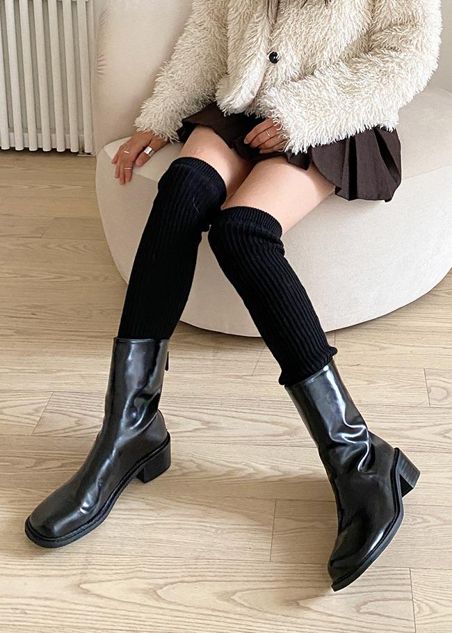 DARKVICTORY素色後拉鍊粗跟皮革中長靴