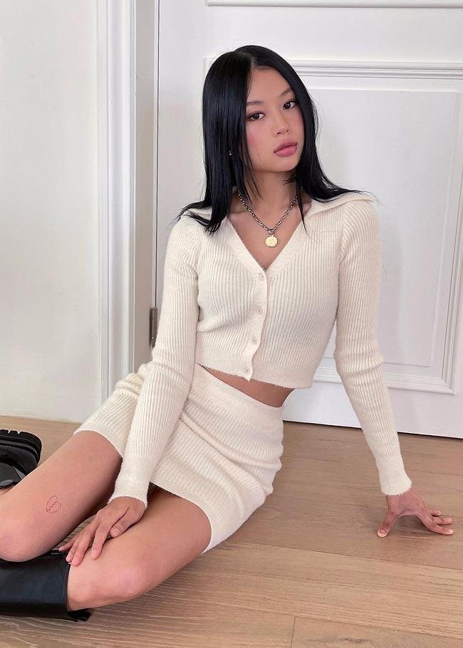 DARKVICTORY[套裝]翻領短版排釦上衣短裙針織套裝