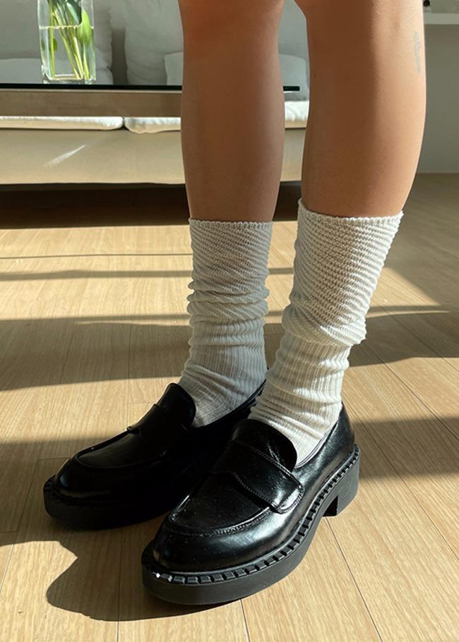 DARKVICTORY皺褶拼接感無印長襪